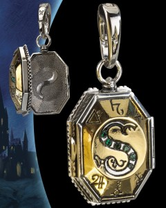 Harry Potter - Charm Lumos - Médaillon de Salazar Slytherin