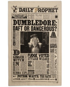 Harry Potter - Serviette torchon Daily Prophet : Dumbledore Daft or Dangerous?