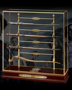 Harry Potter - présentoir et baguettes Les Champions du Tournoi des 3 Sorciers